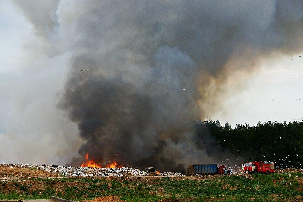 Виновники пожара на полигоне ТБО в Волгодонске устранились от ликвидации его последствий