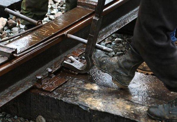 Два жителя Волгодонска подозреваются в краже железнодорожных рельс