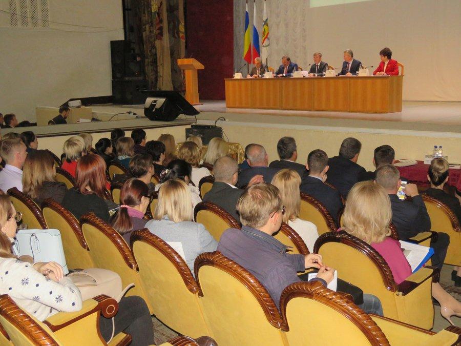 Область назвала сроки строительства социальных объектов в Волгодонске, а заодно пообещала что-то решить с аэропортом к 2025 году