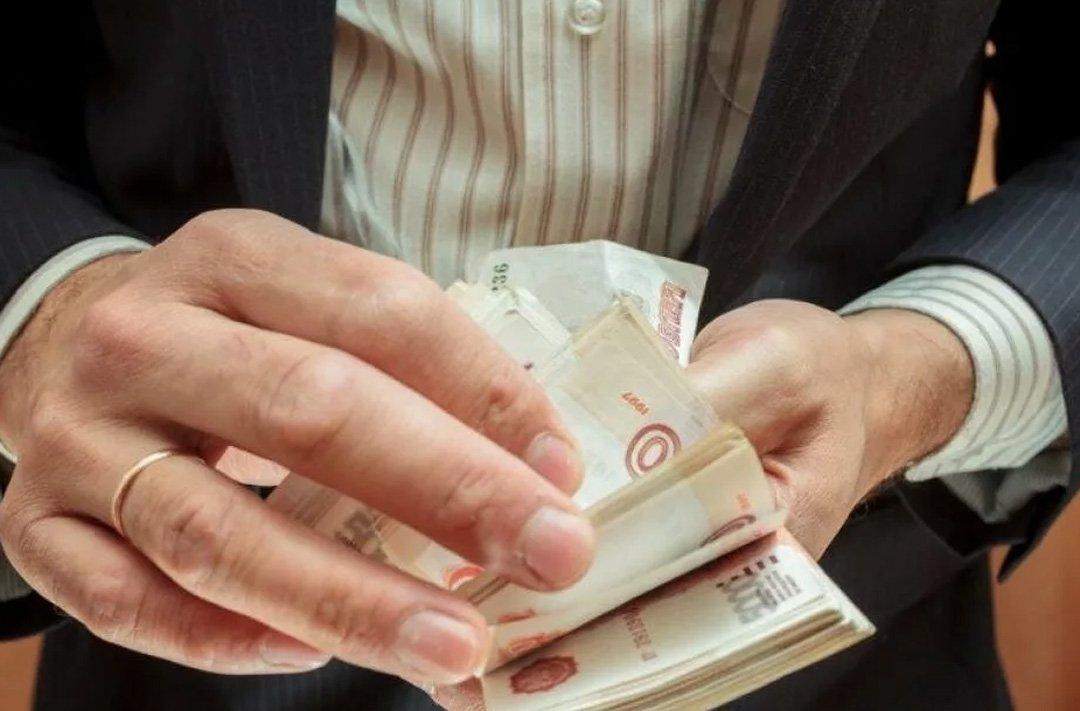 Бывший адвокат, обвиненный в мошенничестве, предстанет перед судом в Волгодонске