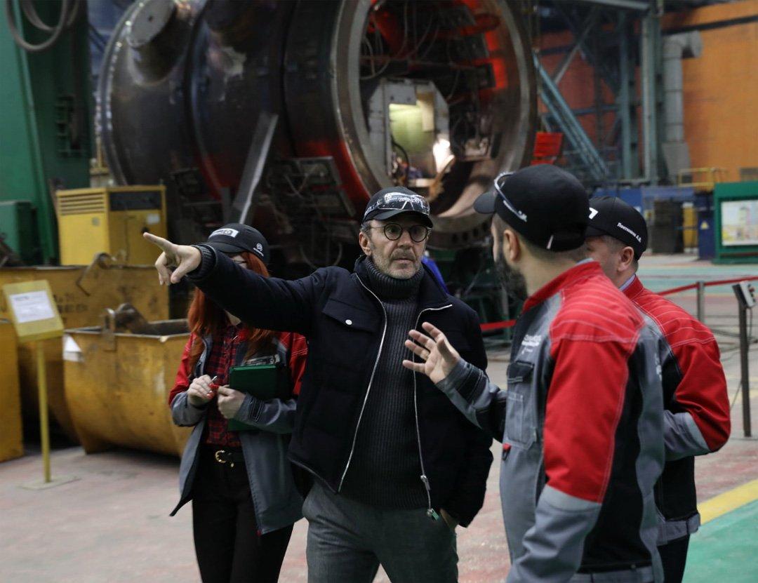 После визита в Волгодонск Сергей Шнуров сочинил стих, посвященный сварщикам «Атоммаша»