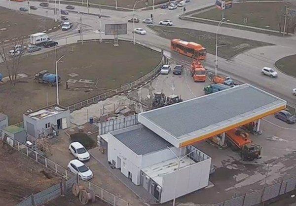 Канализационный коллектор перенесут за пределы автозаправки в Волгодонске