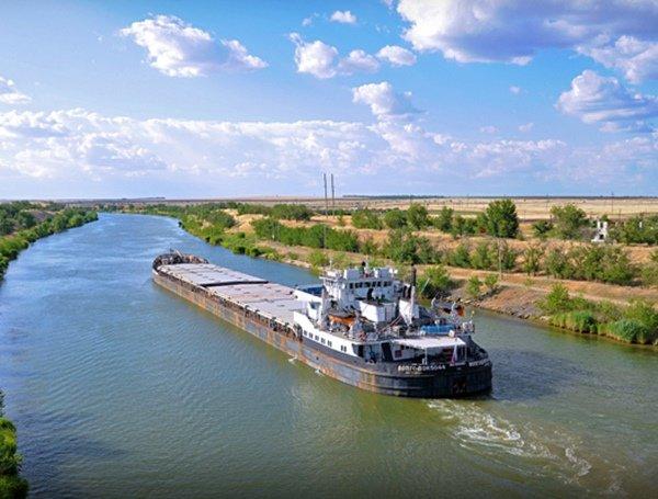 На Волго-Донском канале из-за маловодья введут ограничения для судов