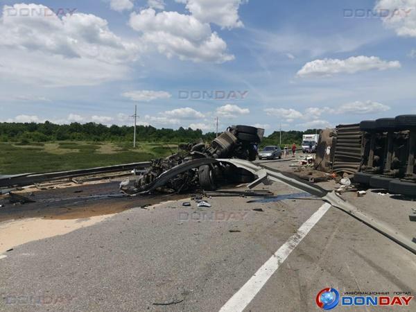 На трассе М-4 «Дон» произошла авария с участием трех большегрузов и «Нивы»: есть погибшие