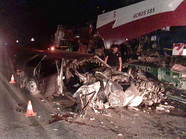 Всмятку: женщина и ребенок погибли в страшной аварии на трассе М4 «Дон»