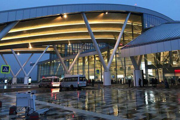 Четверо жителей Волгодонска доставлены в аэропорт Платов из Узбекистана