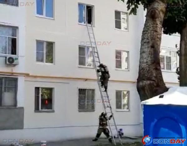 В Волгодонске произошло возгорание в квартире многоэтажки: видео