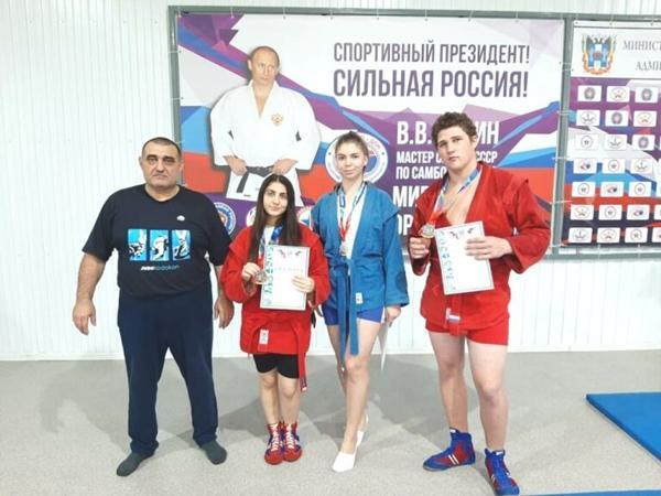Самбисты из Волгодонска завоевали три призовых места на областном чемпионате