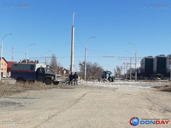 В квартале В-9 в Волгодонске прорвало трубу с холодной водой
