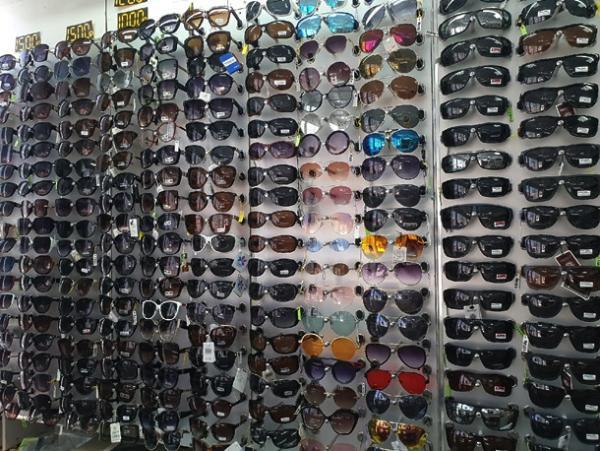 Магазин оптики и товаров для рукоделия в Торговой галерее «Тройка» приглашает жителей Волгодонска совершить приятые покупки