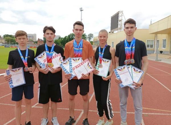 Легкоатлеты из Волгодонска завоевали 14 призовых мест на областном первенстве