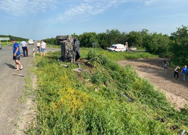 Иномарка, двигаясь по трассе из Волгодонска в Шахты, влетела в «ВАЗ»: один погиб, двое пострадали
